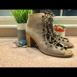 Jeffrey Campbell Cors lace up bootie size 9